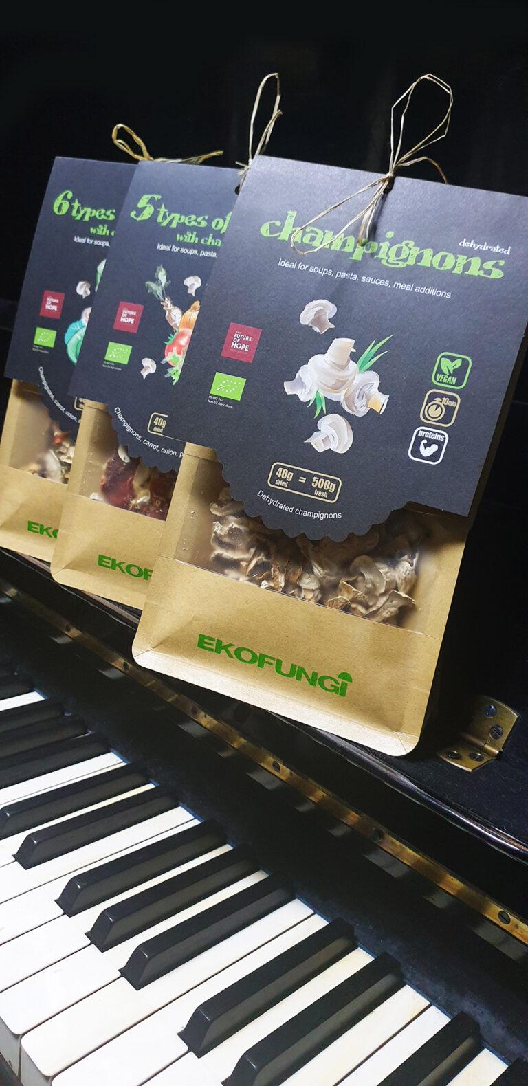 3 na klaviru